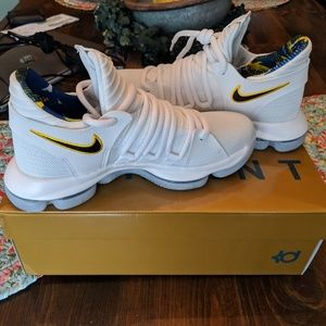 best service 897ee e76c3 Nike. New KD 10 NBA Golden State Warrior BB shoes